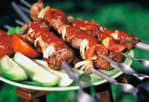Как мариновать шашлык из свинины: 3 совета опытных кулинаров и 4 простых рецепта!