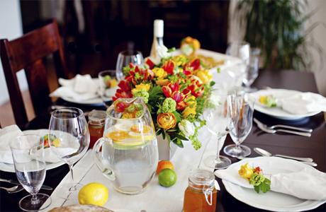 letniy-svadebnyiy-stol