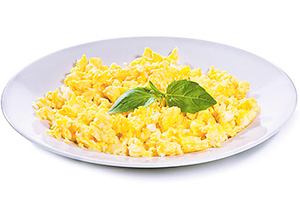 4рецепта яичницы-болтуньи: спомидорами, сыром ивслоеном тесте